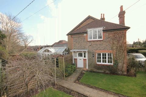 3 bedroom semi-detached house for sale - Backwoods Lane, Lindfield, West Sussex
