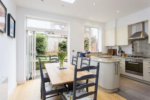 2 bedroom terraced house for sale - North Hill, Highgate, N6