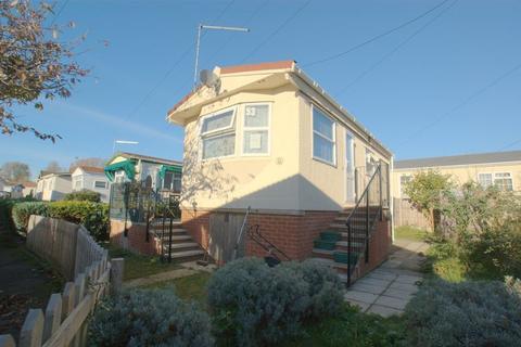 1 Bedroom Park Home For Sale