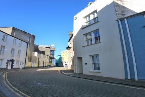 Studio to rent - Crackwell Street, Tenby Town