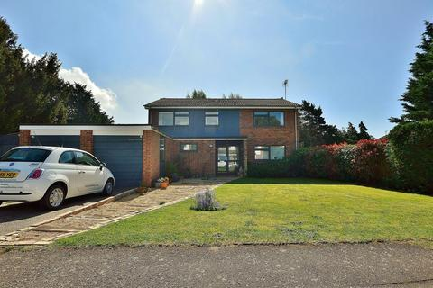 4 bedroom detached house for sale - Manor House Way, Brightlingsea
