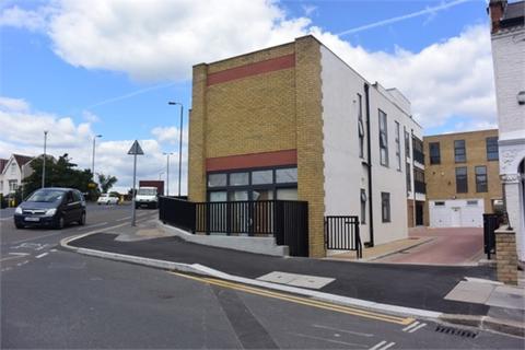 2 bedroom flat to rent - Caxton Road, Merton
