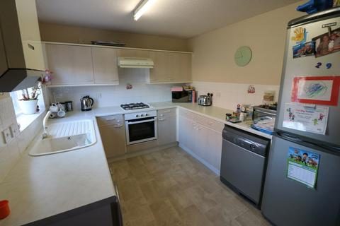 2 bedroom terraced house to rent - Swallowfield Drive, Off Summergroves Way, Hull