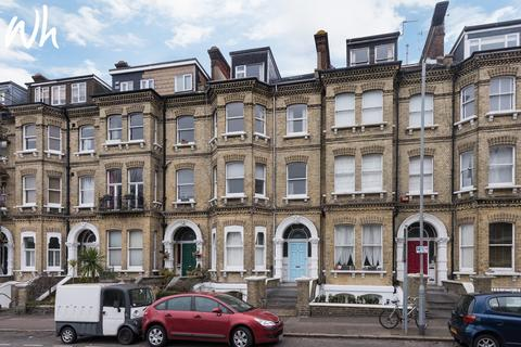 2 bedroom flat for sale - Cromwell Road, Hove BN3