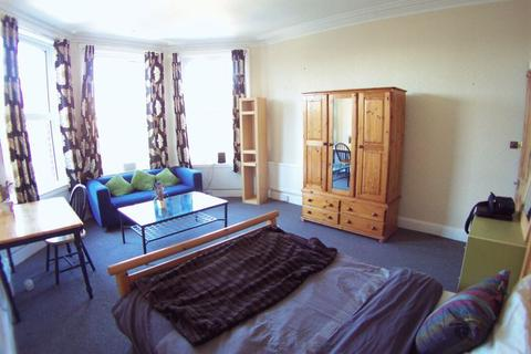 1 bedroom flat share to rent - 9 Spring Road, Leeds