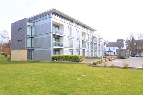 2 bedroom flat to rent - Winchester Court, Close to Station