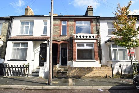 2 bedroom apartment to rent - Gladstone Road, Watford