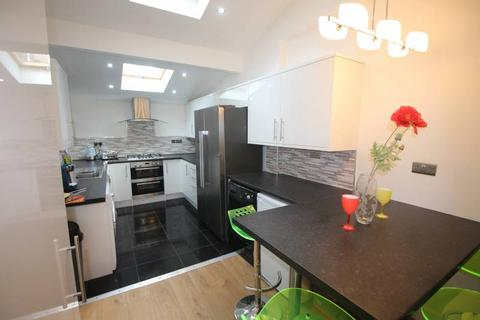 7 bedroom house to rent - Haven St (NO FEES), Salford, Manchester M6