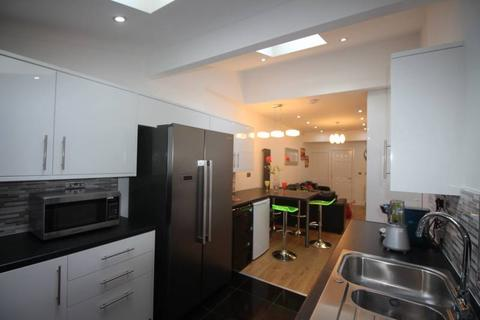 6 bedroom house to rent - Litteton Rd (New Show House Available), Salford, Manchester M6