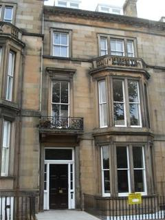 2 bedroom flat to rent - 7/1f Buckingham Terrace
