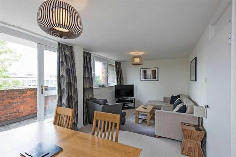 2 bedroom flat to rent - Lockyer House, The Platt, Putney, SW15