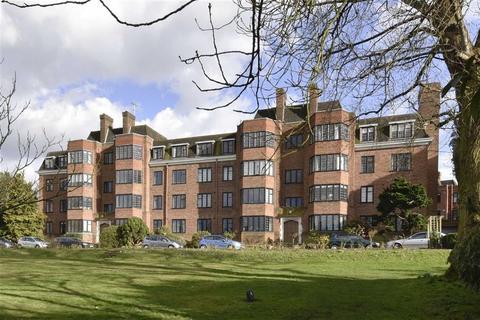 3 bedroom flat to rent - Somerville House, Manor Fields, Putney, SW15