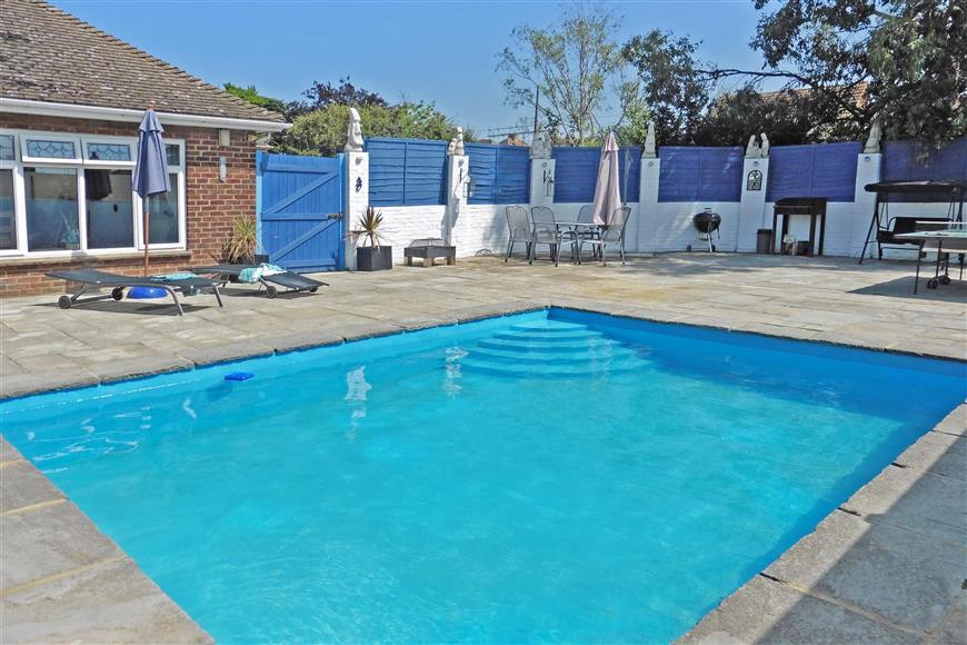 Uplands Way Minster On Sea Sheerness Kent 5 Bed Bungalow For Sale 310 500