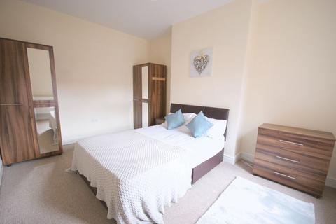 6 bedroom house share to rent - ***HOUSESHARE*** Sholebroke View, Leeds