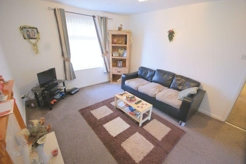 Image 1 Of 7: Living Room