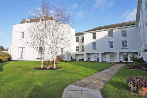 2 bedroom apartment to rent - Riverside Court, Colleton Crescent, St Leonards