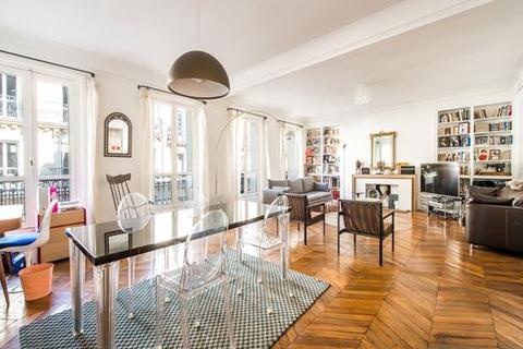 3 bedroom apartment  - Paris 08, Paris, Ile-De-France