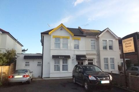 Guest house for sale - Southcote Road