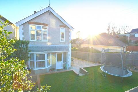 3 bedroom detached house for sale - Lincoln Road, Poole, BH12 2HU
