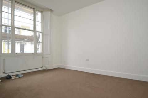 Studio to rent - Gloucester Terrace, Bayswater
