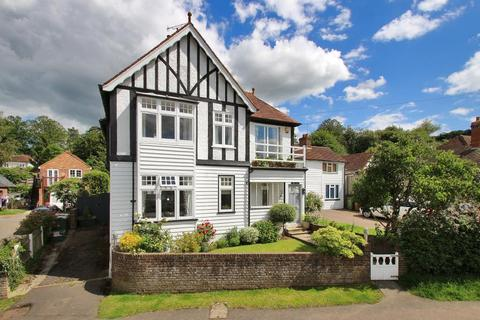 4 bedroom detached house for sale - Talbot Road, Hawkhurst, Kent, TN18 4LU