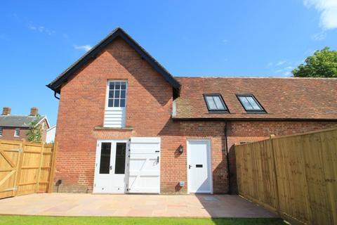 2 bedroom end of terrace house for sale - Talbot Road, Hawkhurst, Kent, TN18 4NH