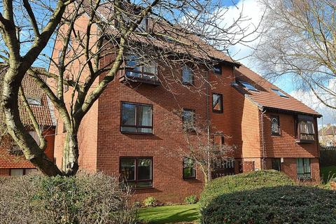 2 bedroom flat to rent - 70 Norfolk House, Baldwin Road,  Kings Norton B30 3LD