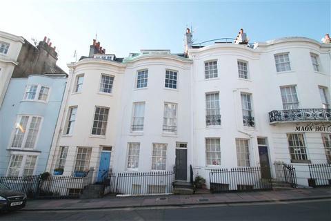 2 bedroom flat for sale - Upper Rock Gardens, Brighton