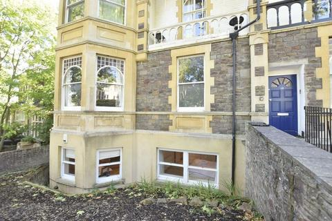 3 bedroom apartment to rent - Clarendon Road, Redland, Bristol, BS6