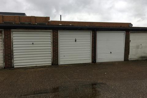 Garage to rent - Beach Green Shoreham by Sea