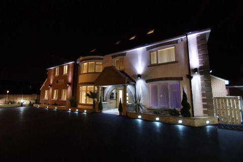 3 bedroom duplex to rent - Hollybank Apartments, Chapel Allerton, LS7