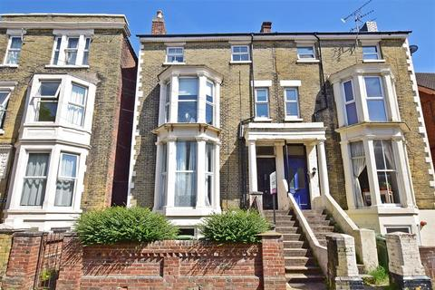 2 bedroom flat for sale - Elphinstone Road, Southsea, Hampshire