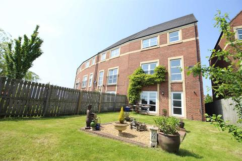 4 bedroom end of terrace house for sale - Featherstone Grove, Newcastle Upon Tyne