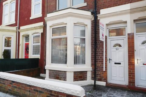2 bedroom flat to rent - Jesmond Tce, Whitley Bay.** GREAT VALUE & LOCATION**