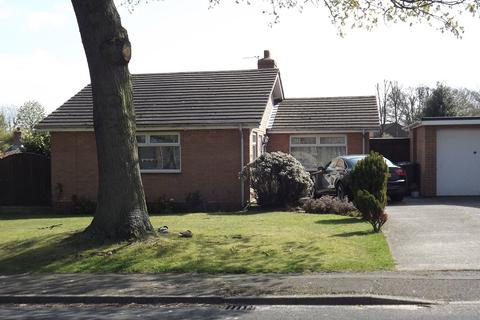 2 bedroom detached bungalow to rent - Pineways, Appleton