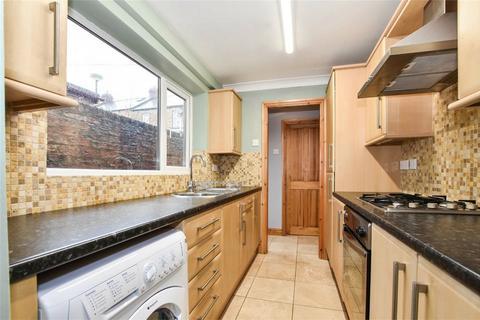 2 bedroom terraced house to rent - Queen Victoria Street, YORK