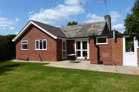 3 bedroom bungalow to rent - Grange Park, Cranleigh