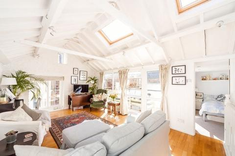 3 bedroom terraced house for sale - Thorndale Mews, Clifton