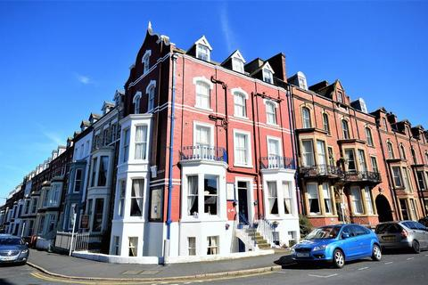 Guest house for sale - 3 Crescent Avenue, Whitby