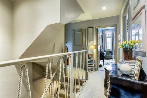 3 bedroom maisonette for sale - Castletown Road, London, W14