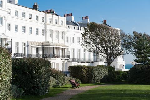 2 bedroom ground floor flat for sale - Lewes Crescent, Brighton, BN2