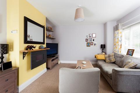 3 bedroom apartment to rent - Station Road, Lyminge, Folkestone, CT18