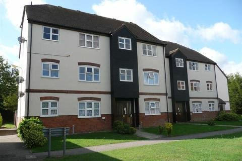 2 bedroom apartment to rent - Thornborough Avenue, South Woodham Ferrers