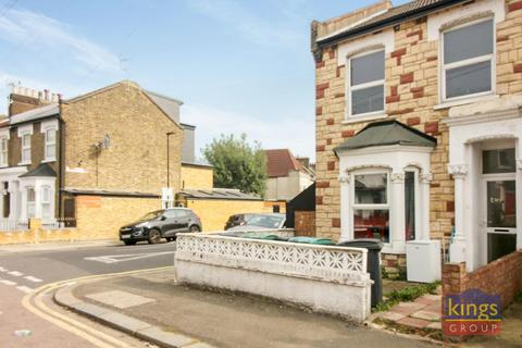 3 bedroom end of terrace house for sale - Glenwood Road, London