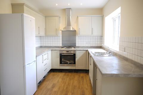 3 bedroom semi-detached house to rent - Hayes Street Bromley BR2