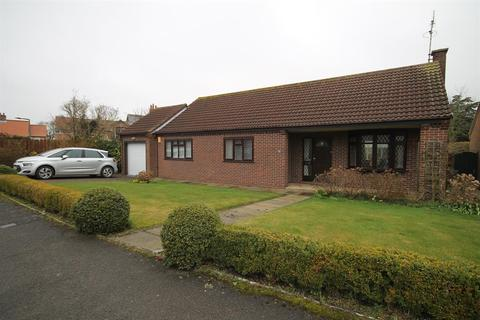 3 bedroom detached bungalow for sale - Low Well Park, Wheldrake, York, YO19 6DS