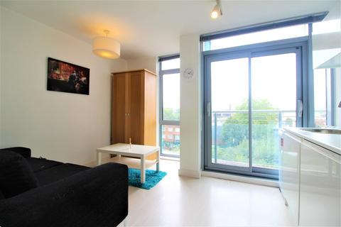 Studio to rent - Manor Mills, Ingram Street, Leeds