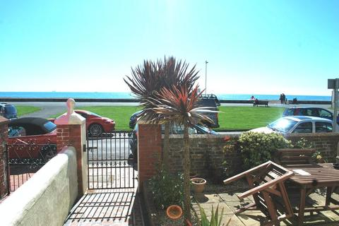 Studio to rent - New Parade, Worthing