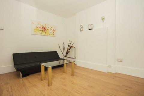 3 bedroom apartment to rent - Whitworth House Whitworth House, Falmouth Road, London, SE1