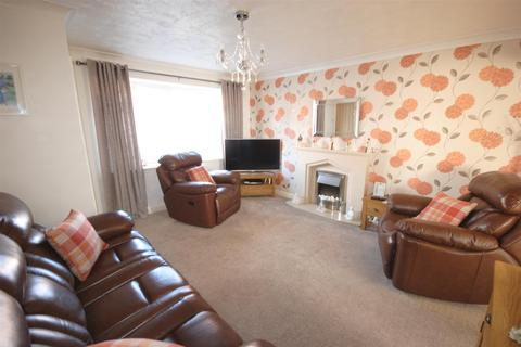 3 bedroom semi-detached house for sale - Elizabethan Drive, Springview, Wigan